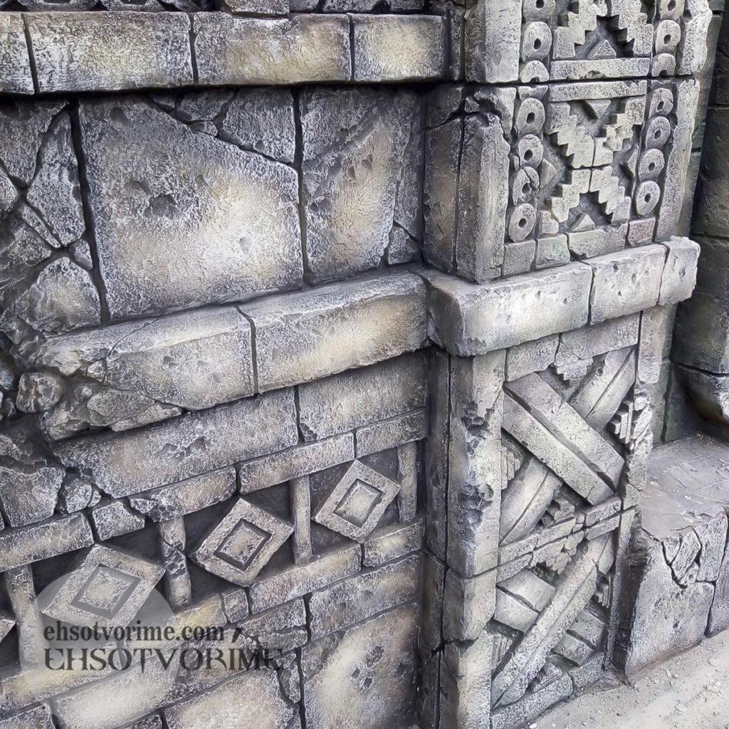 Рельеф из архитектурного бетона.